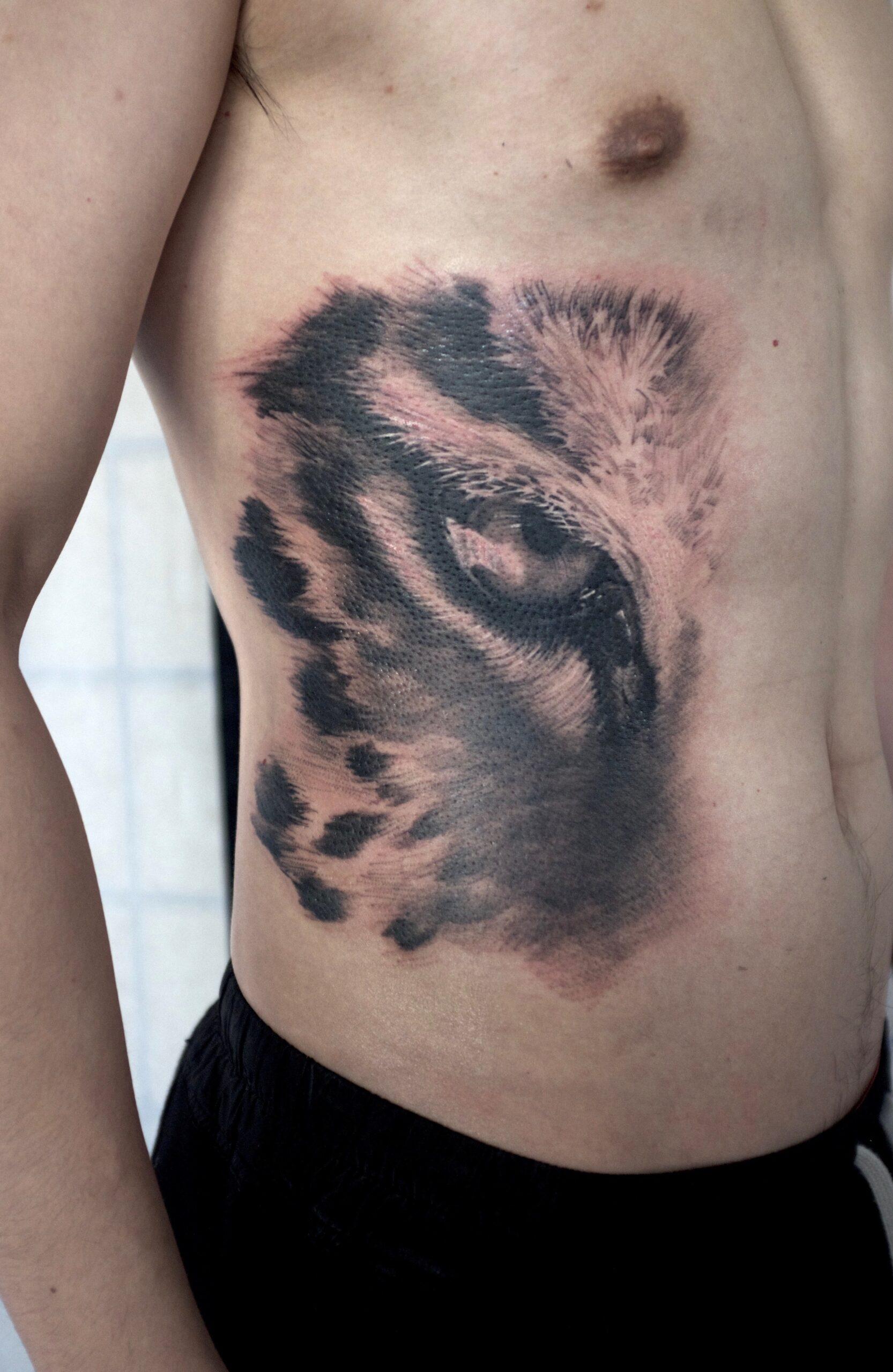 zhuo dan ting tattoo work 卓丹婷纹身作品 老虎眼睛纹身 1